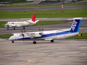 ja846a(Bombardier DHC-8-402Q Dash 8).JPG